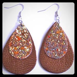 Tear drop faux leather earrings